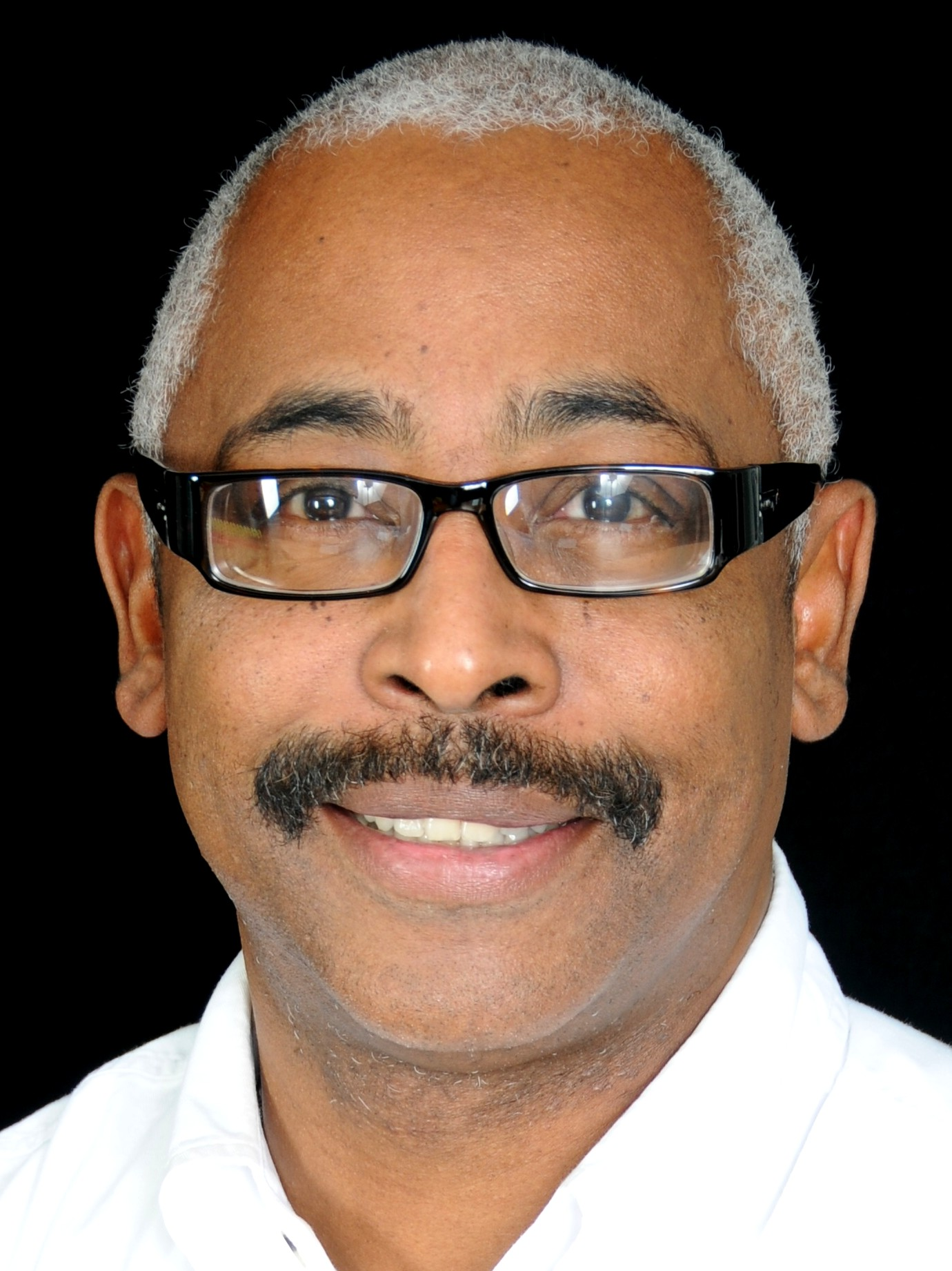 Aroll Jones, Wang Foundation for sight restoration